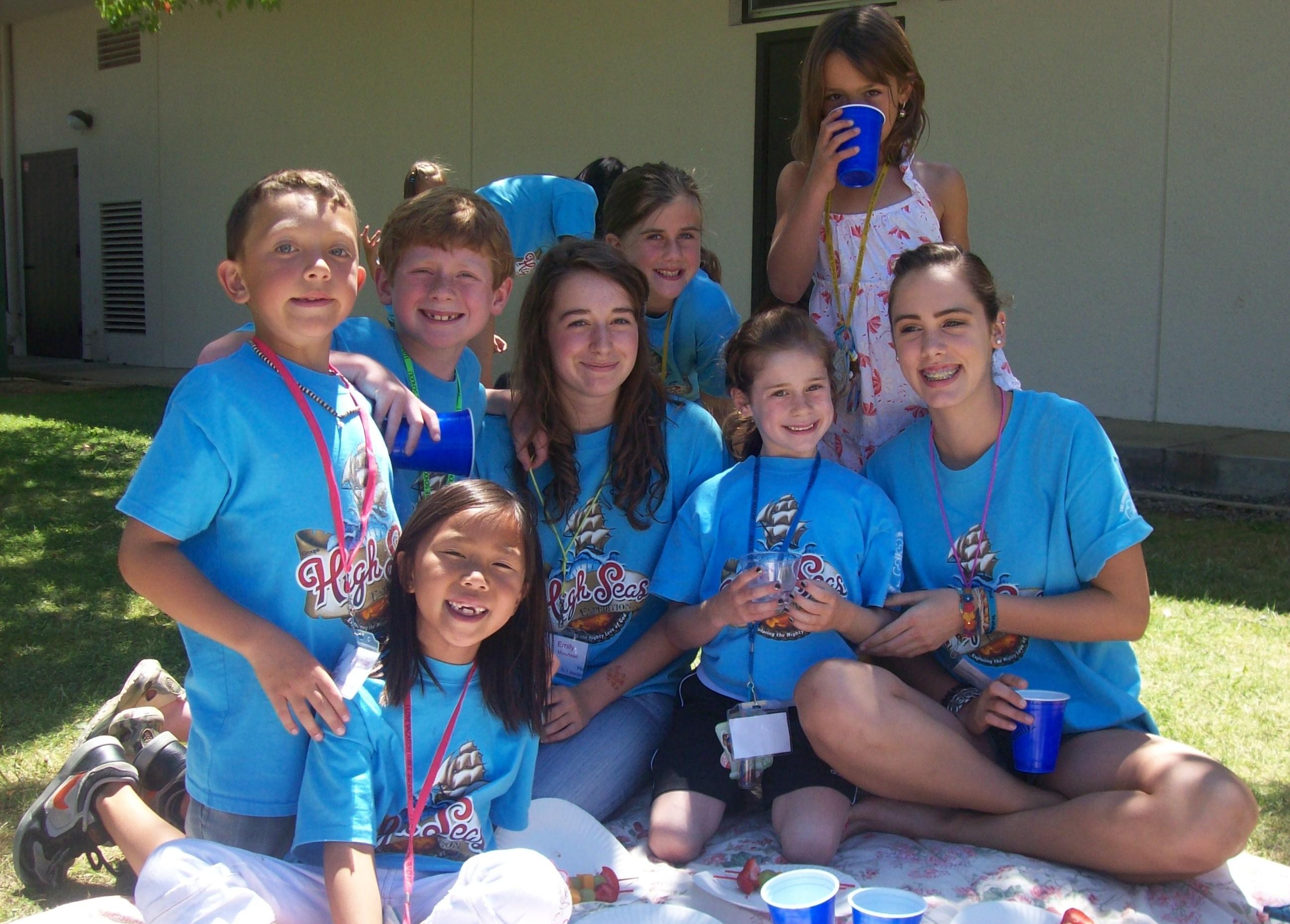 College Students Volunteering Students Volunteer at st