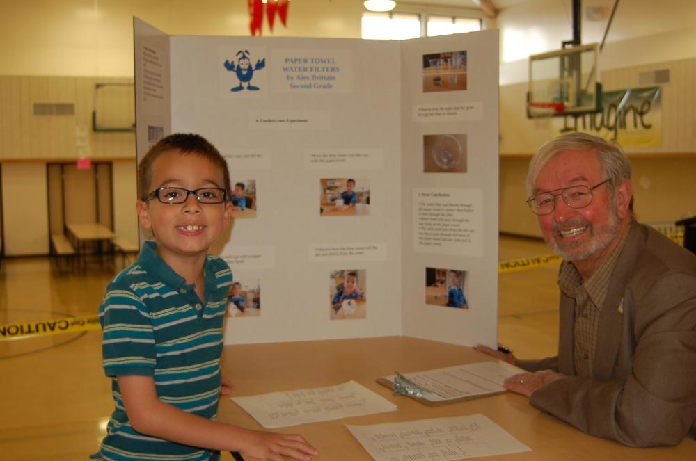 Green Elementary School Science Fair Inspires Student Scientists (4/6)