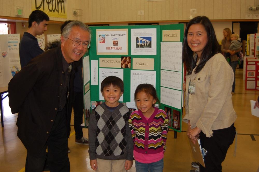 Green Elementary School Science Fair Inspires Student Scientists (1/6)