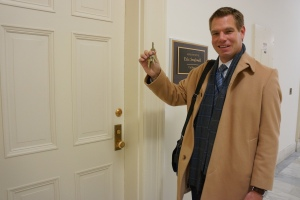 Eric Swalwell with New Congressional Office Keys 1