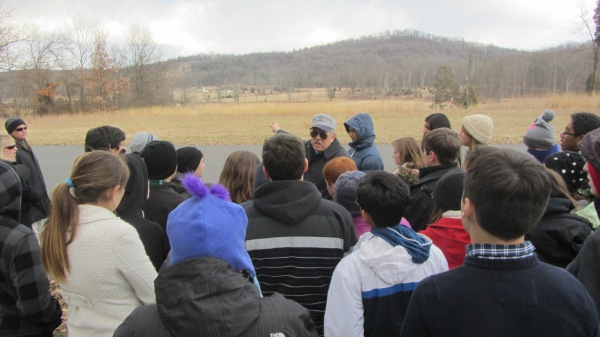 Gettysburg Tour Guide Don Leads Wells Middle School Students