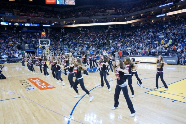 Fallon Middle School Cheer Team at the Warriors Half Time Show