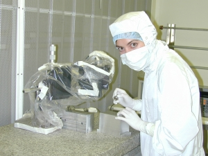 Dr. Mainzer in a clean room