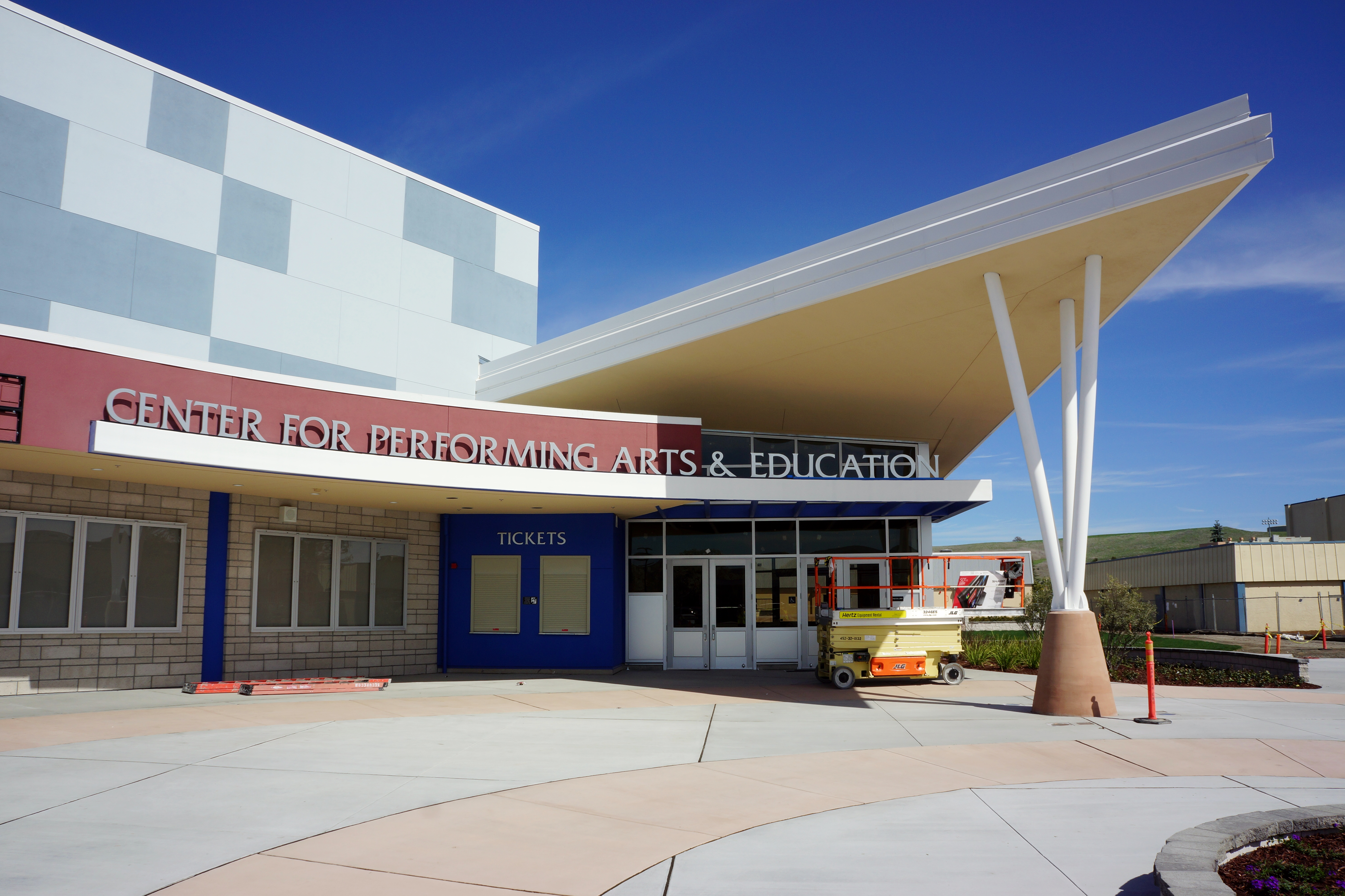 dublin high school center for performing arts and education 2