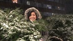 First snow in front of Bursley Hall (Liz's dorm)